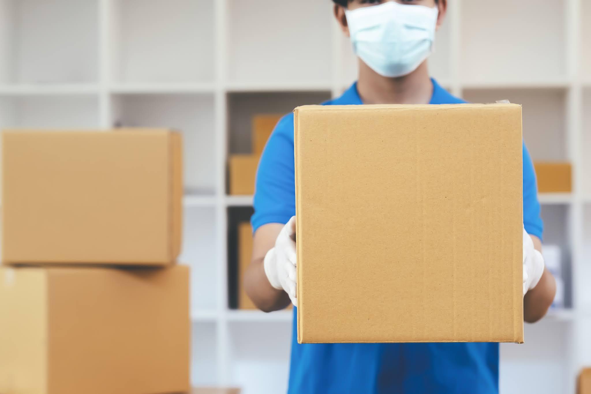 إرسال مواد وإمدادات طبية medical من الإمارات إلى القمر المتحدة