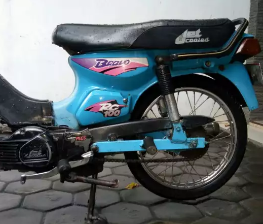 Modifikasi Suzuki RC 100 Bravo Bebek Kencang Zaman Doeloe