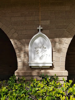 catholic stations of the cross, outdoor stations, lent, lenten traditions with children via refabulous, catholic family