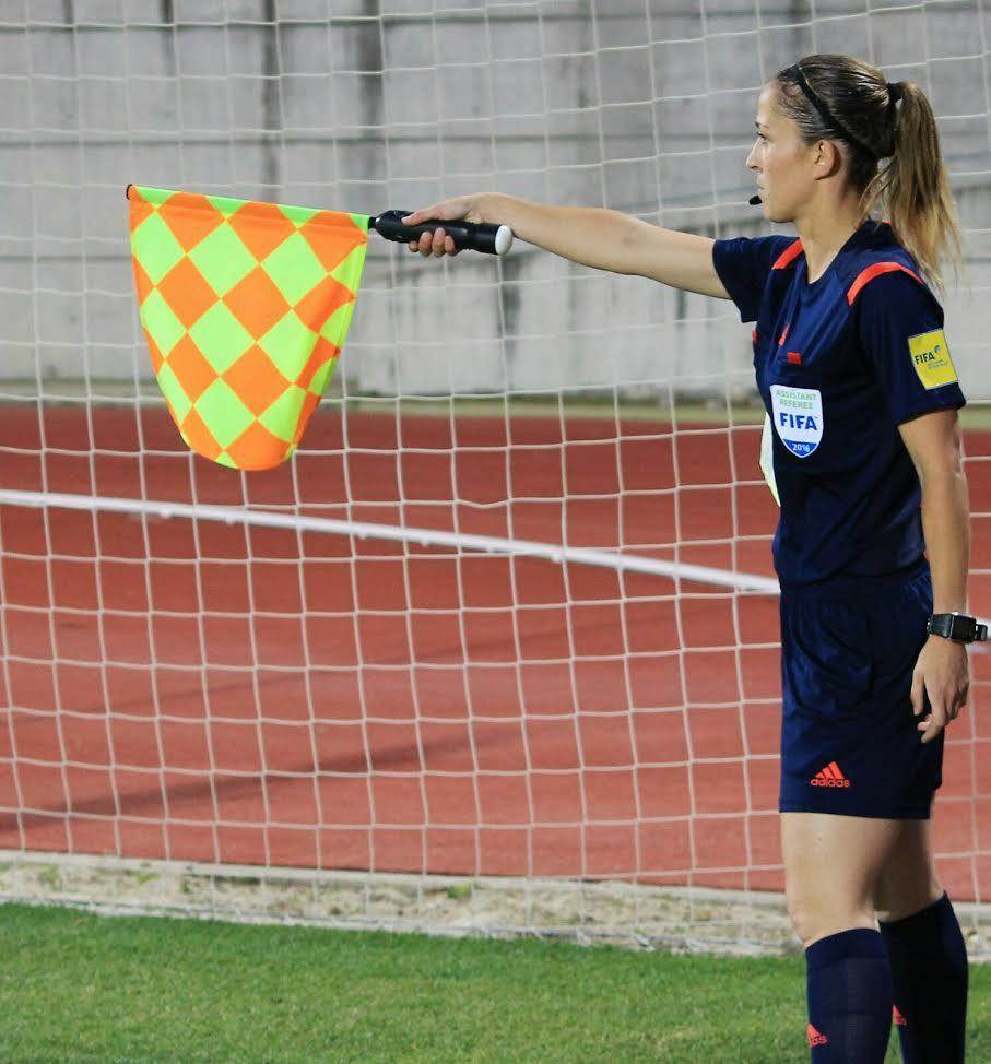 El CTA ha comunicado que la árbitra asistente cántabra estará presente en  la fase final de la Eurocopa femenina donde también participará la  Selección ... ff21094a6a84c