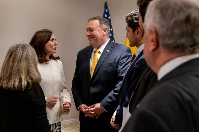 La canciller boliviana Karen Longaric y el secretario de Estado de EEUU Mike Pompeo en Bogotá / TWITTER