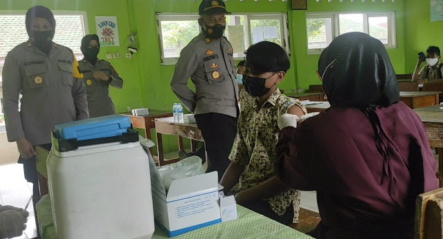 Polres Purbalingga Gelar Vaksinasi Bagi Para Pelajar di Sejumlah Sekolah