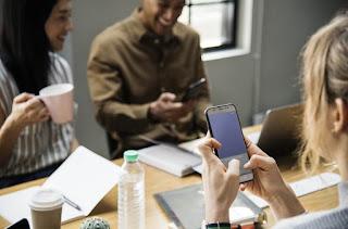Hambatan Umum dalam Komunikasi Bisnis dan Cara Mengatasinya