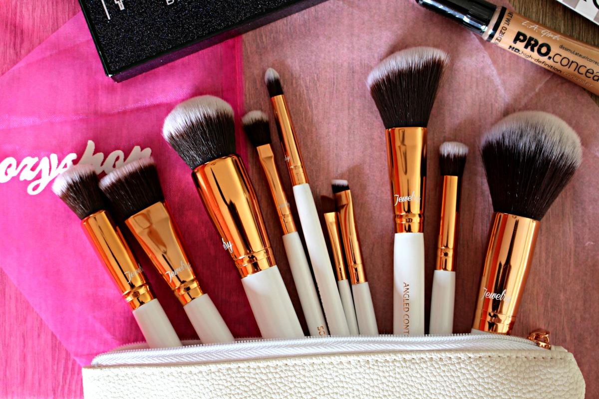 Boozy Cosmetics Rosé Gold Jewelery 10pc brush set