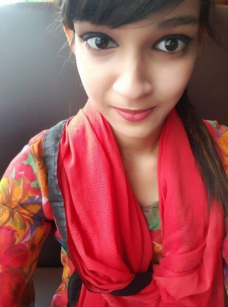 Bengali Girl Leaked Pics + Videos