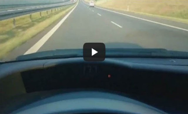 ΕΠΑΘΕ ΠΛΑΚΑ: Οδηγούσε με 175χλμ/ώρα και δείτε τι τον προσπέρασε [Βίντεο]