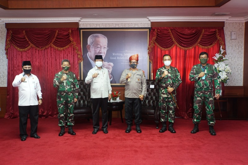 Danlantamal IV Hadiri Kunjungan Kapolda Kepri di Kantor Gubernur Provinsi Kepri