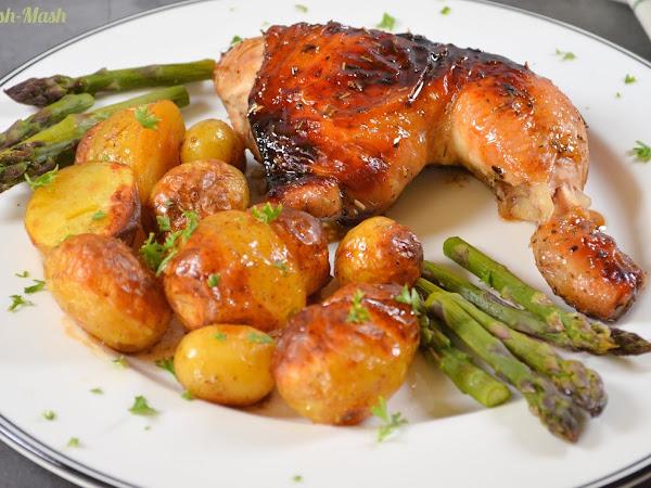 Пиле балсамико с пресни картофи и аспержи