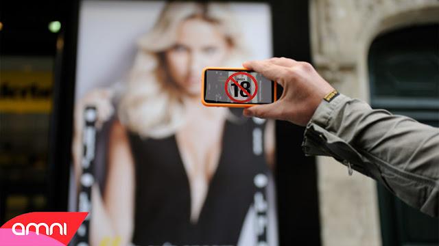 ٌإحذر !! كيف تجعل كاميرة هاتفك قادرة على تصوير الناس بدون ملابس