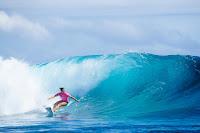 16 Johanne Defay 2017 Outerknown Fiji Womens Pro foto WSL Ed Sloane