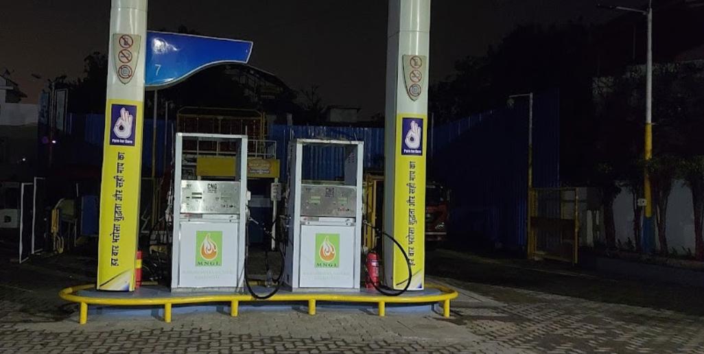 cng pump on mumbai nashik highway