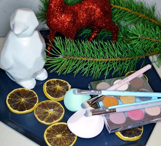 Gąbeczka do makijażu pastelove green tea, gąbeczka do makijażu profesjonalna Pro, pędzle do makijażu pastelove love, pędzle do makijażu oczu, pędzle do blendowania, pędzle do brwi, pędzle do cieni do powiek