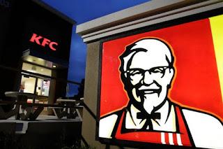 Βρετανία: Χαμός από το «λουκέτο» στα KFC – Οι πολίτες έχουν πάθει… στέρηση και καλούν την αστυνομία!