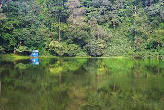 Telaga Warna Tempat Wisata Puncak Bogor Penuh Pesona Alam