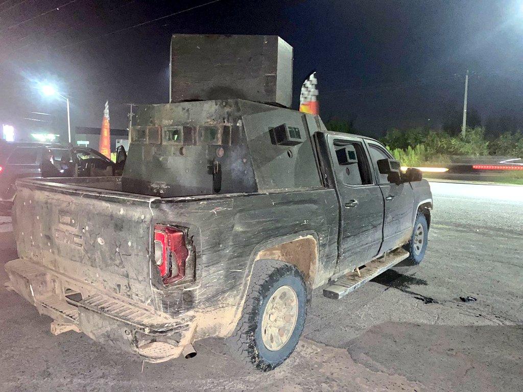 Policías GOPES aseguran 4 vehículos con blindaje artesanal del Cártel del Golfo