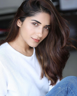 Ruhani Sharma Biography, Wiki, Age, Height, Weight, Body Measurements, Education, Caste, Family, Husband, Boyfriend and More.