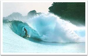 Mengintip Keindahan Ombak Pantai Cimaja di Sukabumi 68