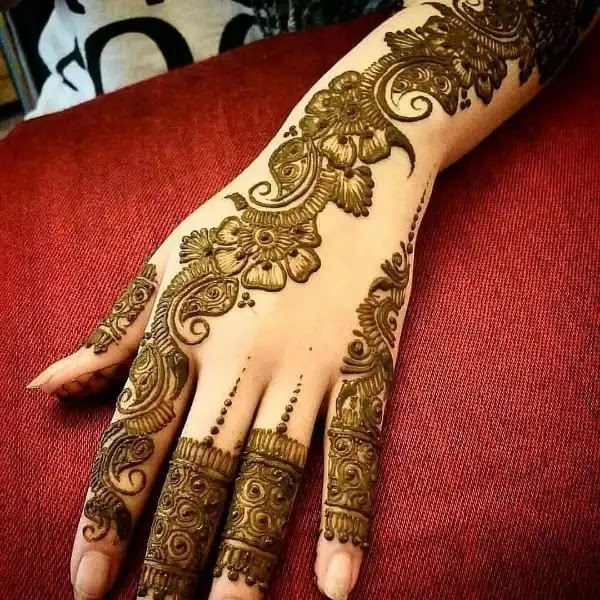Arabian_mehandi_design_for_indian