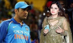 MS Dhoni Full Biography, Records, Stats, Net worth, Awards,Wife