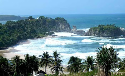 7 Beautiful Beaches in East Java