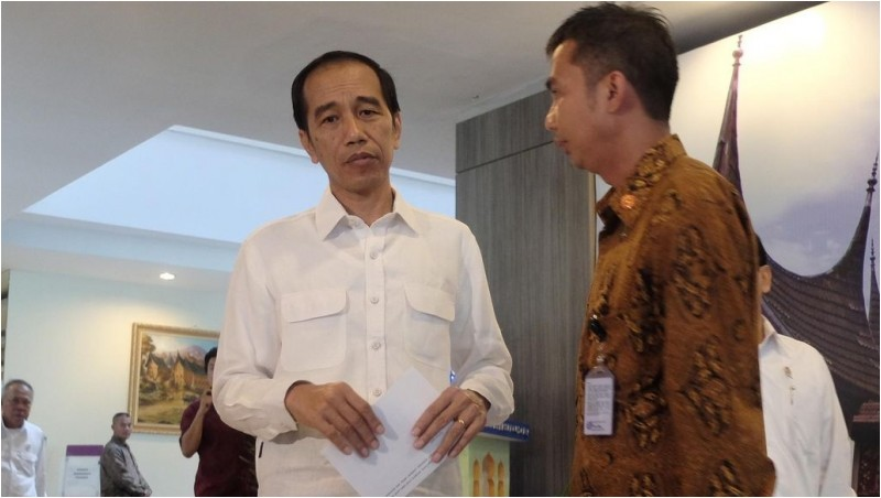 Presiden Jokowi di Hotel Inna Muara, Padang, Sumatera Barat