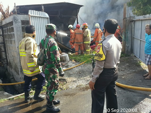 Si Jago Merah Melahap Gudang Kabel PLN Jakarta Barat