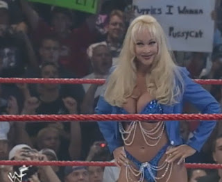 WWE / WWF - Summerslam 1999 - Debra and her puppies