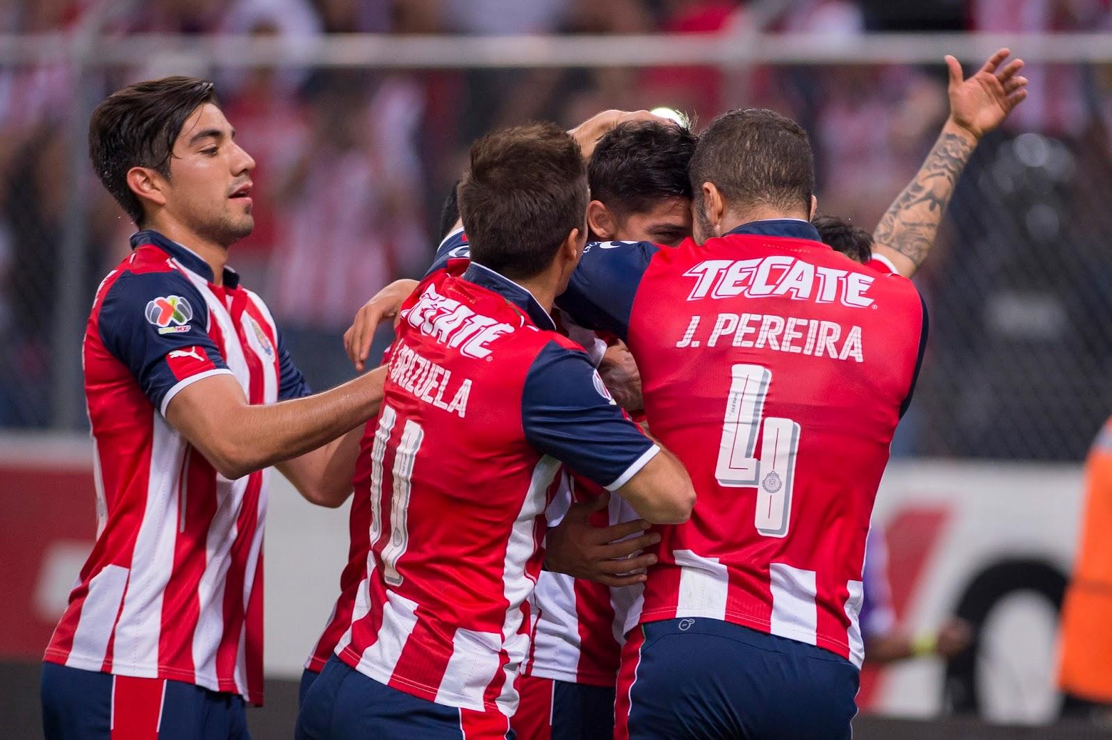 Guadalajara celebra gol.