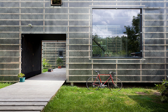 Zen House by Petr Stolin
