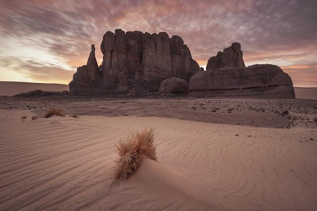 Atakor Algeria Traveling Tourism Tour