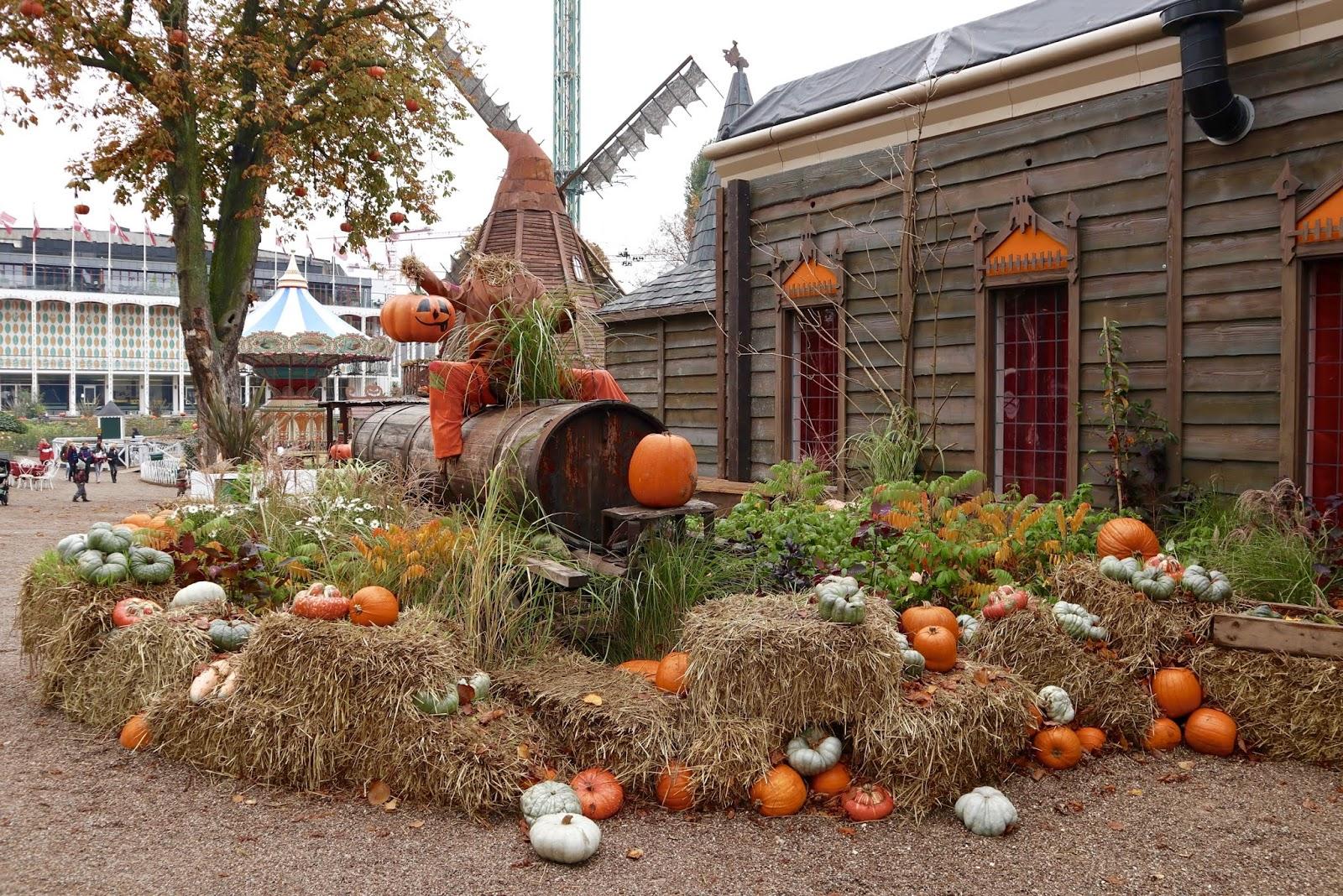 halloween theme parks tivoli