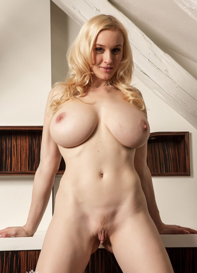 Big Breasted Naked Women