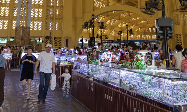 Central Market Phnom Penh shopping Cambodia