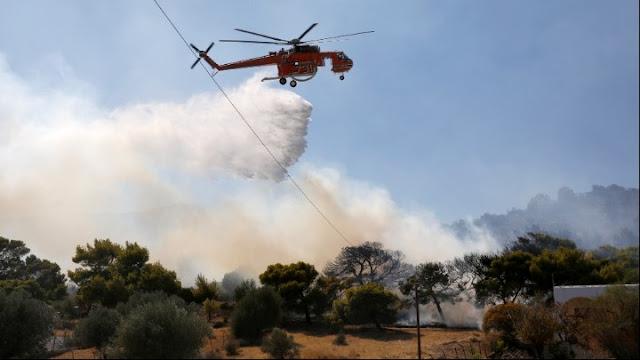 Πύρινη κόλαση ξανά στην Αττική - Μεγάλες φωτιές σε Κερατέα και Βίλια (βίντεο)
