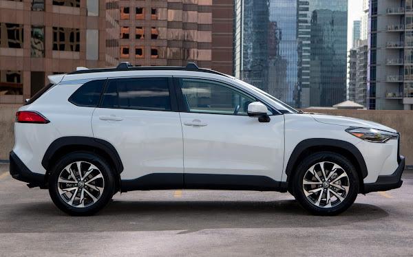 Toyota Corolla Cross XLE  2022 - FWD