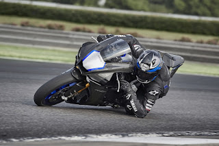 Yamaha-YZF1000-R1-3