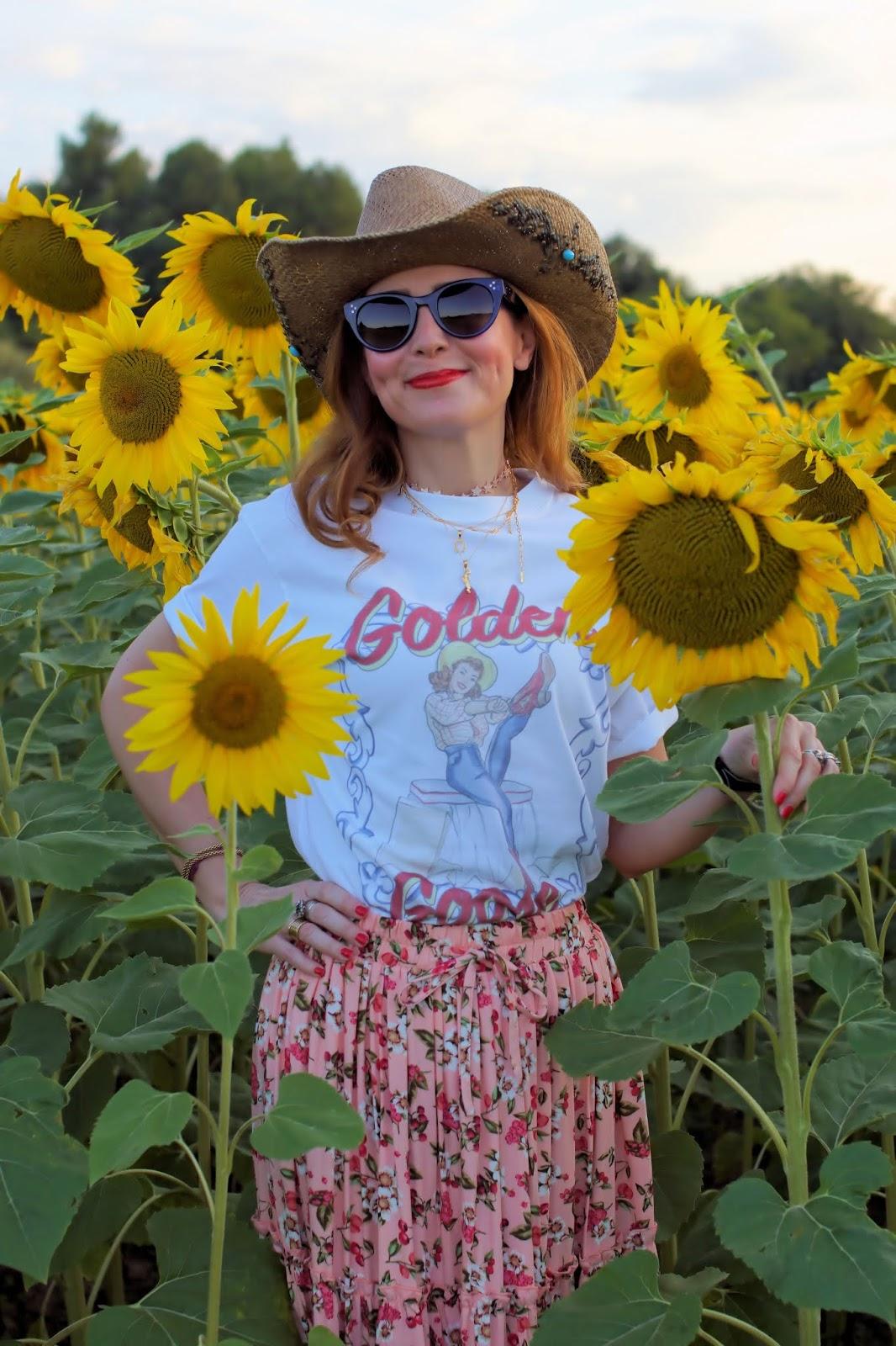 Cowgirl t-shirt Chiara Ferragni on Fashion and Cookies fashion blog, fashion blogger