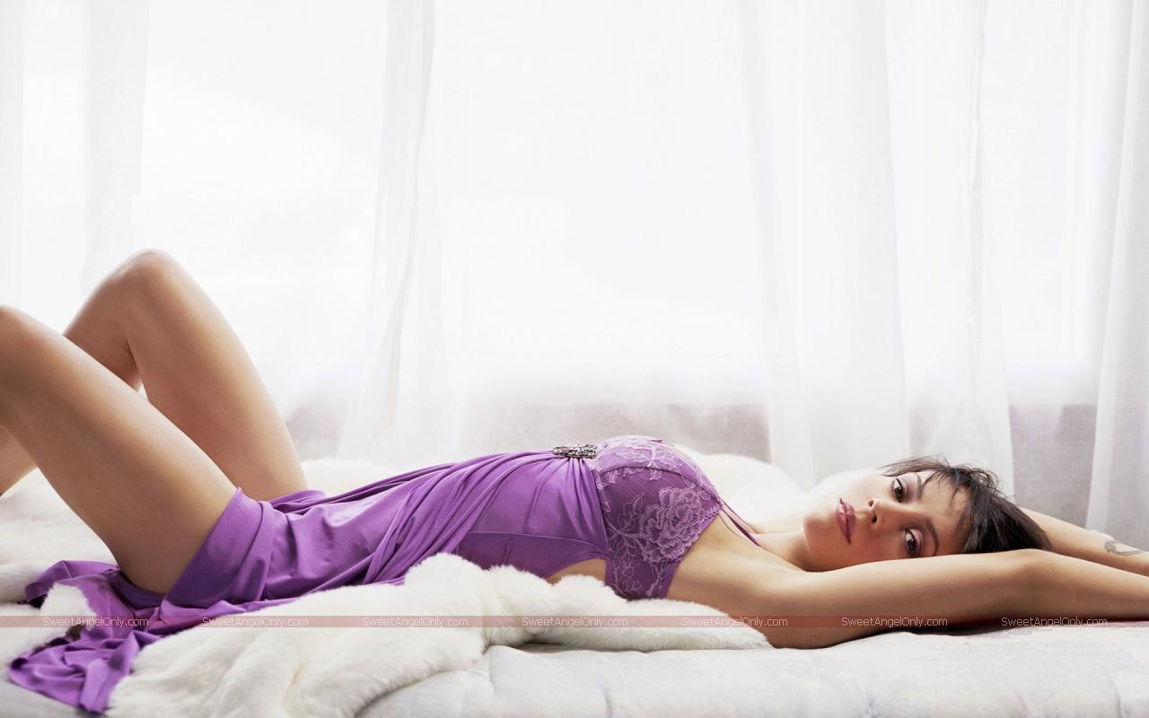 Hollywood: Alyssa Mila... Eva Green Twitter