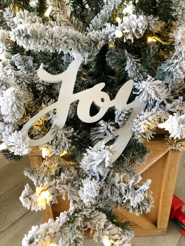 Our Less is More Christmas tree - Joy