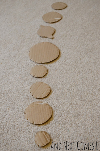 Kids craft with cardboard - make yarn wrapped planets!