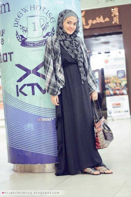 979af4e4f3eab Hijab style inspiration  maxi dress style ازياء محجبات اخر موضه 2013 ملابس  photography by siti juwariyah