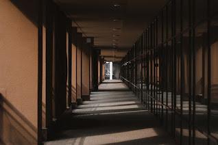 Koridor, koridor kampus, lorong