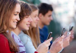 Kecanduan Sosial Media Pada Remaja
