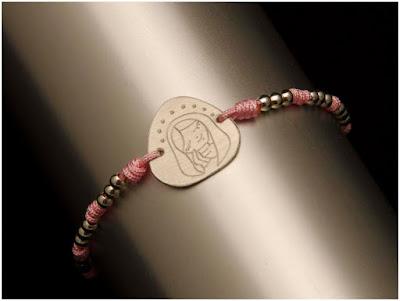 Pulsera medalla de VIrgencita en plata. Joyería Artesanal Personalizada. Detalles de comunión
