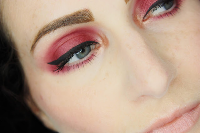 maquillage-rose-huda-beauty