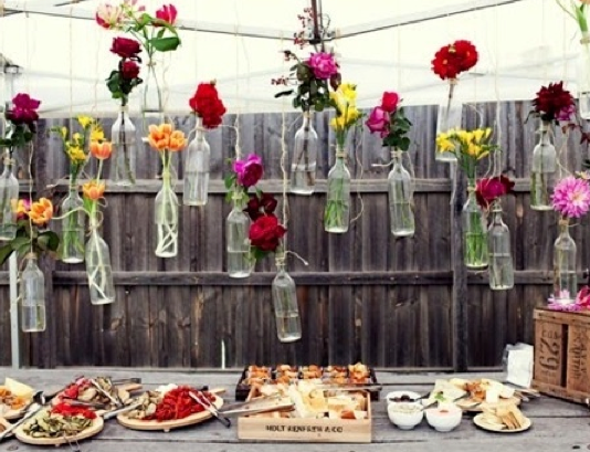 Right now is the best time to have a summer garden party. Here are a few decorating ideas for hosting your next summer garden party.