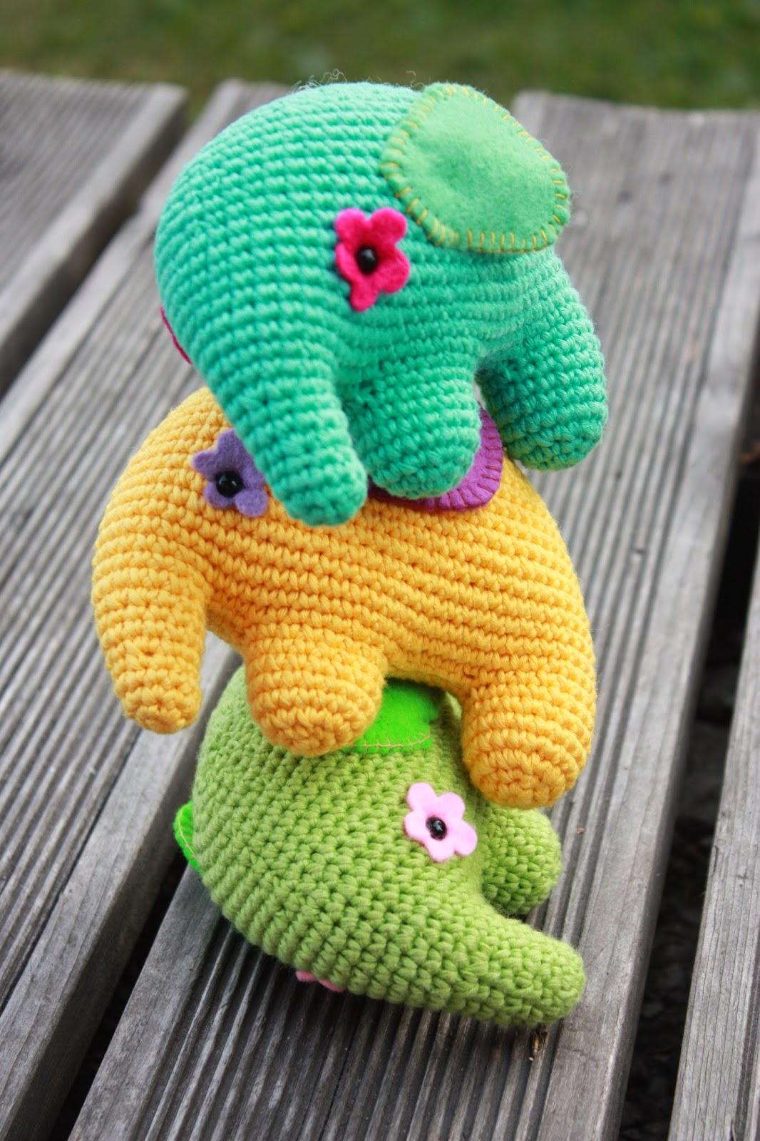 Crochet Floor Lounge Elephant Pillow Pattern | The Crochet Crowd | 1600x1066