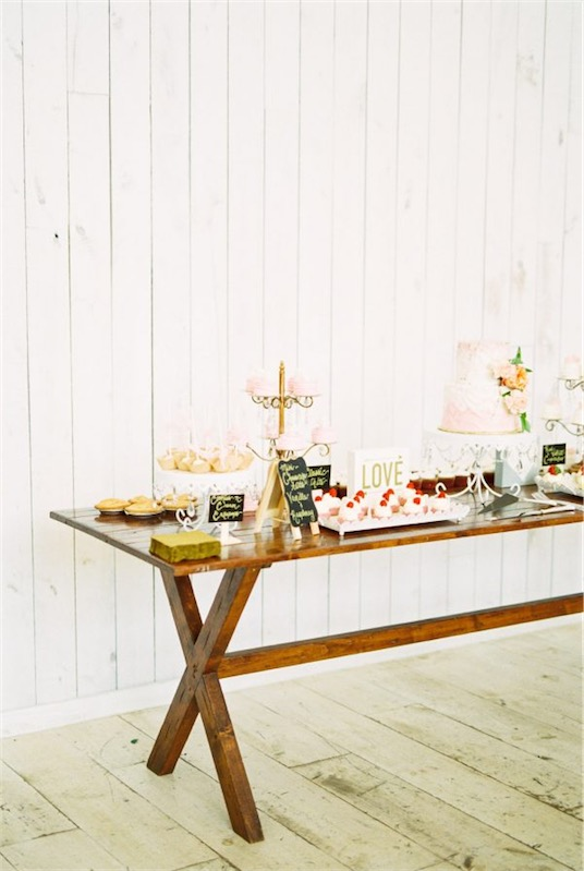 Boda en blanco mesa dulce chicanddeco