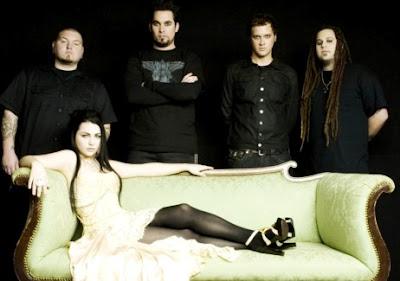 Foto de integrantes de Evanescence en sesión fotográfica