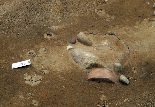 Roadworks uncover Bronze Age urn burial site in Saxony-Anhalt, Germany